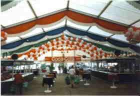 Deko service ballondekoration dekoration mit ballons for Festzelt dekoration