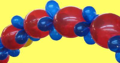 Schöne Ballongirlanden erstellen wir mit Kettenballons und Mini-Luftballons