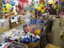Ballonsupermarkt, der Ballonshop auf 1.000 Quadratmetern, riesige Auswahl an Ballonen und Ballongasen. Ballondekorateur mit erstklassigen Referenzen. Ihr Fachhandel.