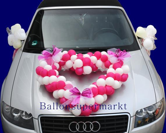 Autodekoration zur Hochzeit aus Ballons