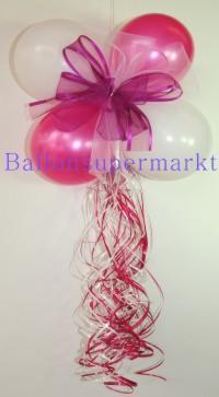 Luftballons zur Dekoration des Hochzeitsautos