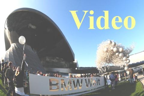 Video: BMW-Welt, 5000 silberne Luftballons steigen zum 5-jährigen Jubiläum auf. Highlight und Abschluss der Jubiläumsveranstaltung in München